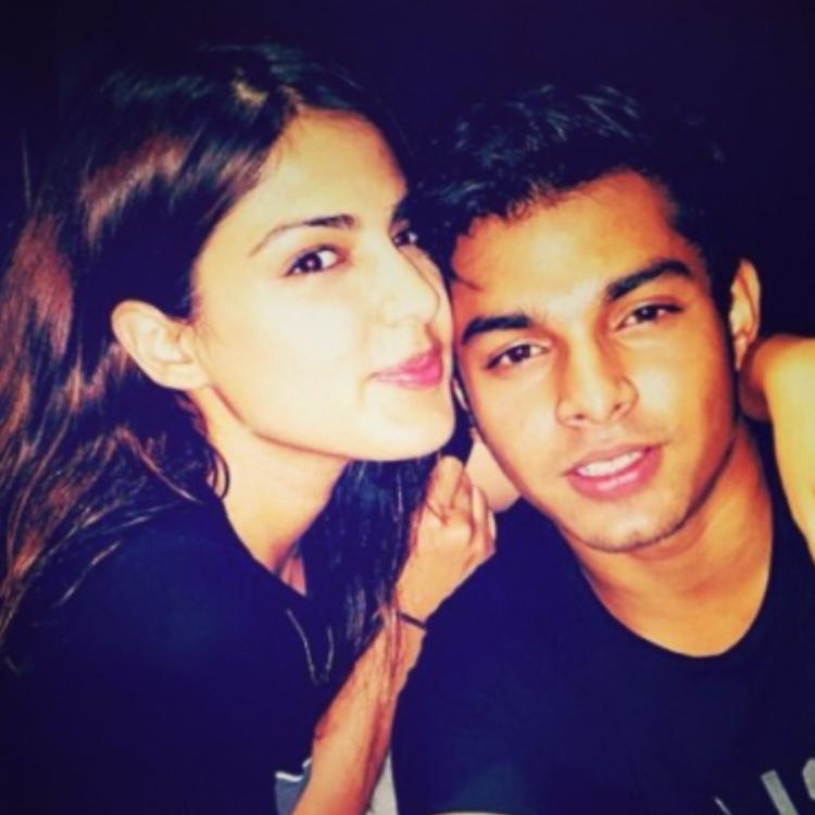 Rhea Chakraborty's brother Showik Chakraborty 'used to buy and not sell  drugs' say NCB Sources: Report   PINKVILLA