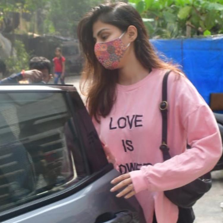 WATCH: Rhea Chakraborty urges paparazzi to not follow them as she gets snapped with brother Showik Chakraborty