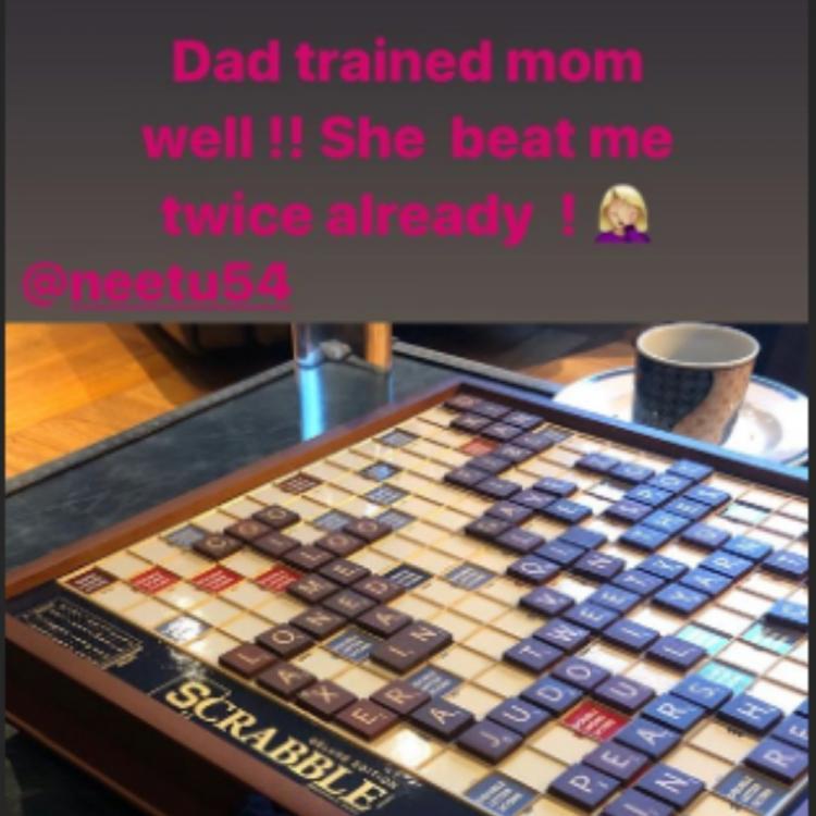 Riddhima Kapoor Sahni loses to mom Neetu Kapoor at scrabble, says dad Rishi Kapoor trained her well