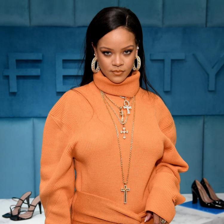Rihanna gives a ray of hope to fans waiting for her new music; Says 'It's going to be worth it'