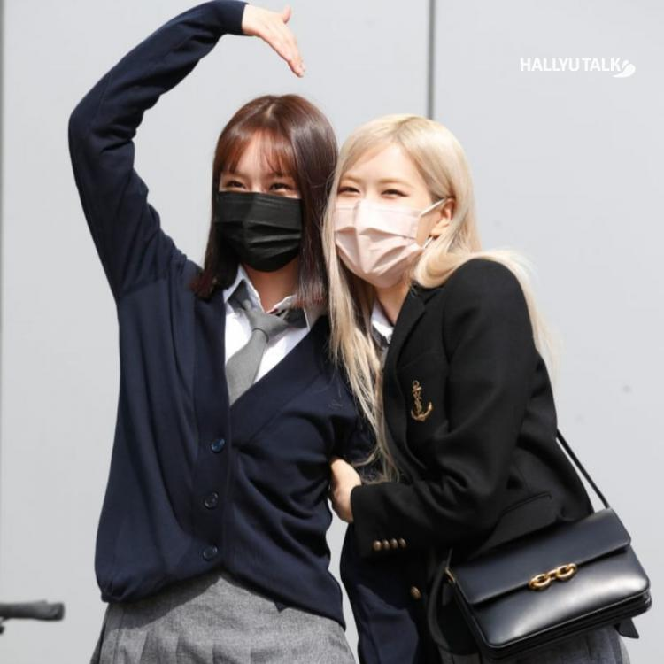 Girl's Day's Hyeri shows off her friendship with BLACKPINK's Rosé
