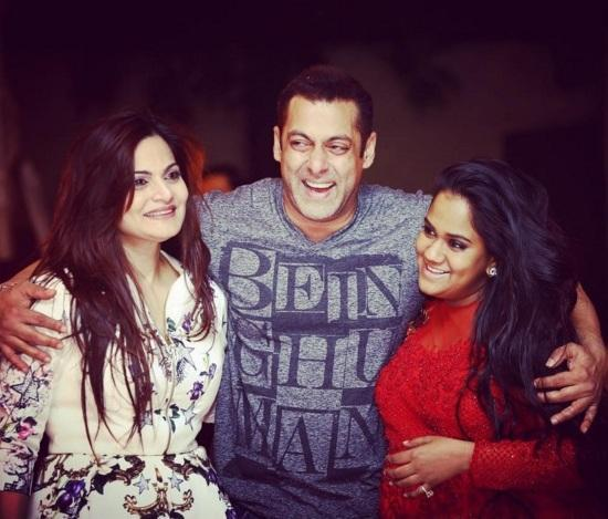 salman khan with his sisters