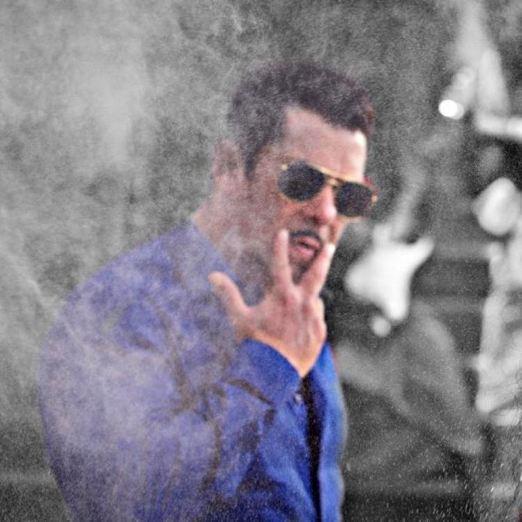 Salman Khan's walk on the sets is just as much Dabangg as his upcoming film; WATCH