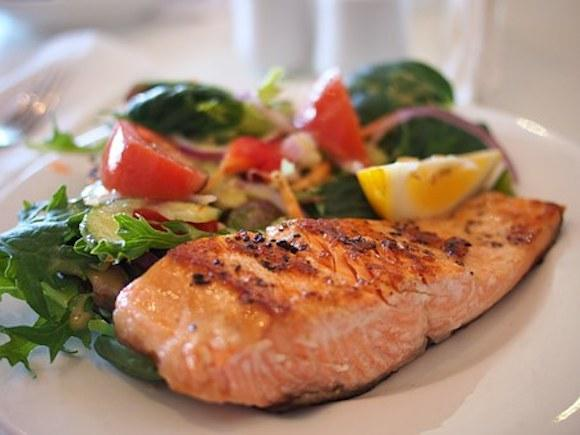 Are you a Seafood lover? Check out the benefits of Salmon we bet you didn't know