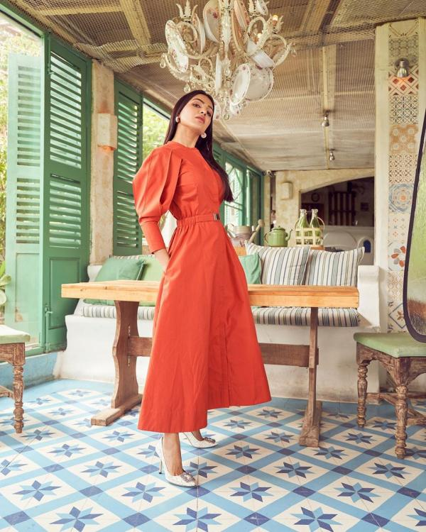 Samantha Akkineni looks SMOKING hot in a tangerine dress with puffy sleeves