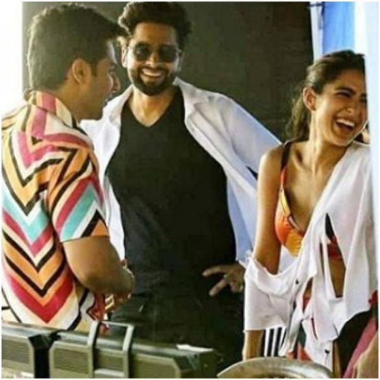 Sara Ali Khan laughs her heart out with Varun Dhawan in unseen Coolie No 1 BTS pic & we wonder what's the tea