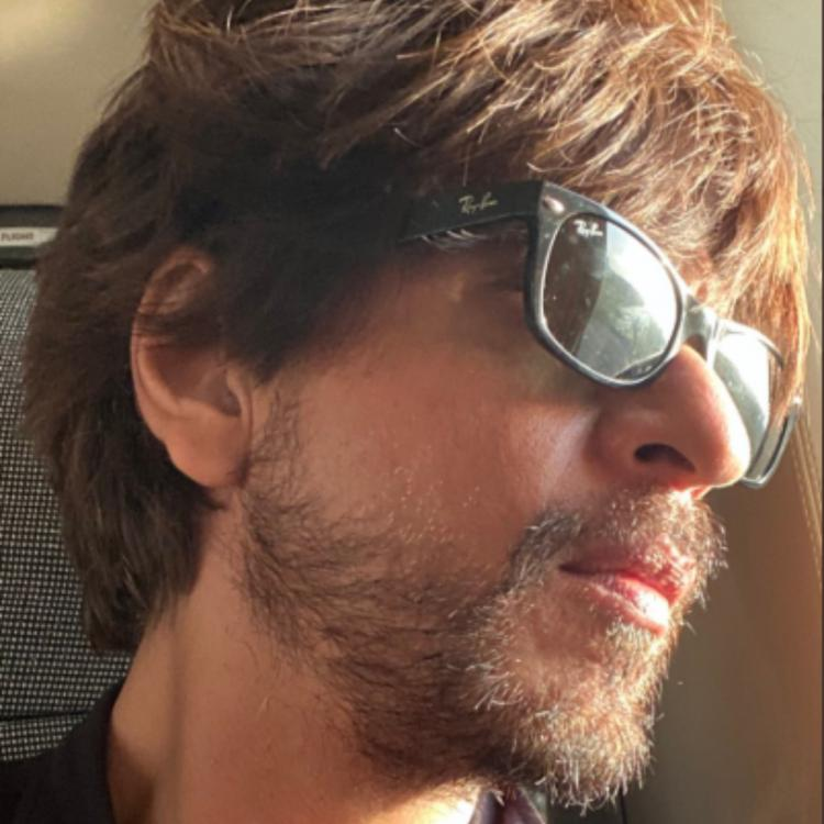 Happy Holi: Sunkissed Shah Rukh Khan ditches the rang to wish fans a 'vibrant' Holi; See Photo