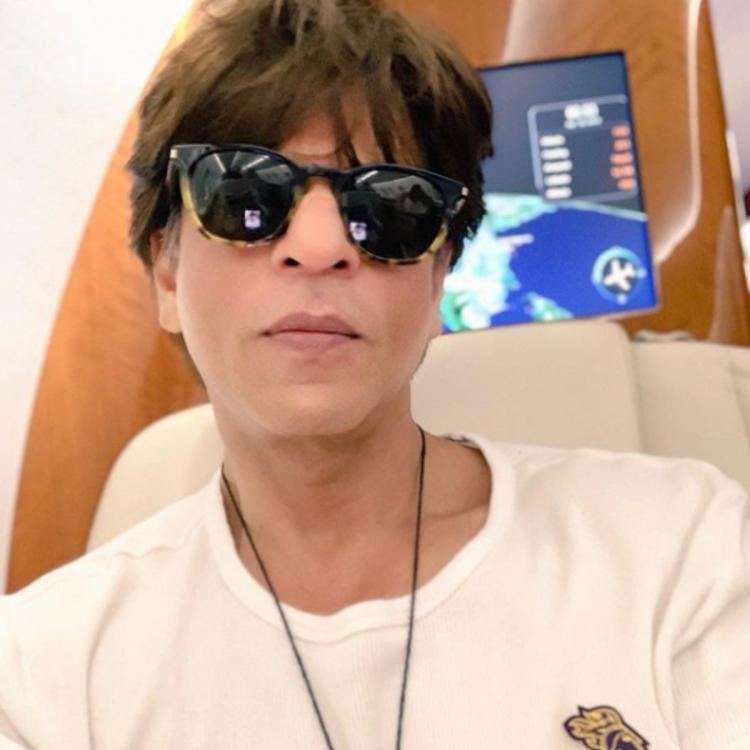 Shah Rukh Khan wishes success, health & happiness for his fans on Dussehra; See POST