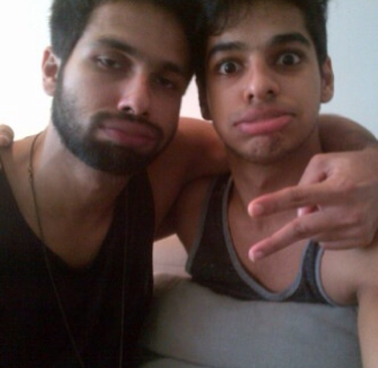 Shahid Kapoor, Ishaan Khatter turn on their goofy mode as they flash their drop dead good looks; Throwback pic
