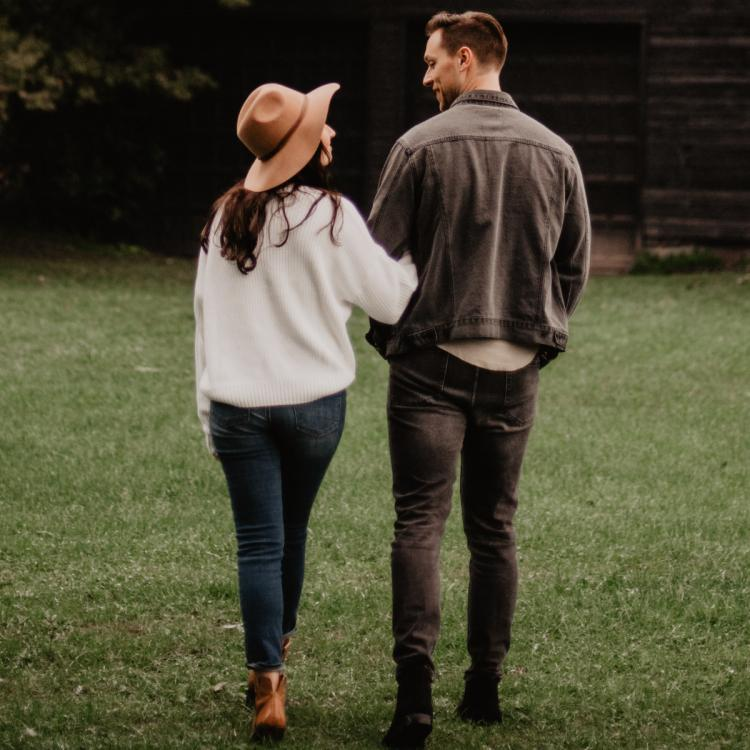 4 Signs she is developing feelings for you