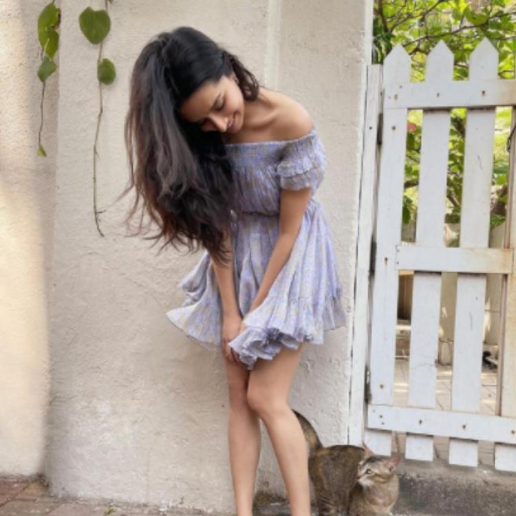 Shraddha Kapoor meowing pic with furry friend