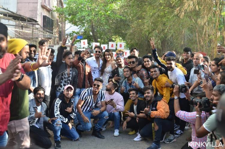 Tiger Shroff breaks into a flash mob with fans to celebrate Shraddha Kapoor's birthday;WATCH