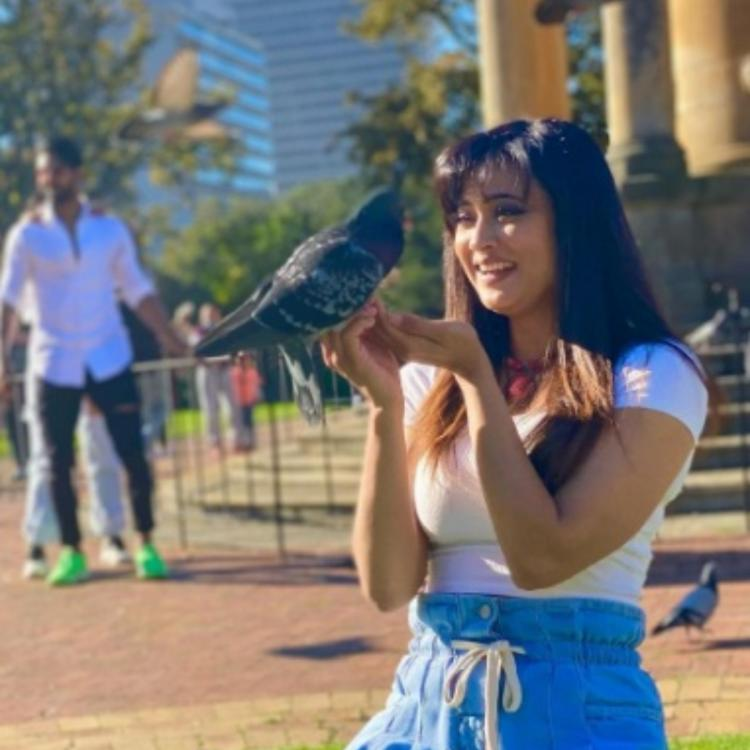 KKK 11: Shweta Tiwari beams with joy in the company of birds; Says 'Love is a language not everyone can speak'