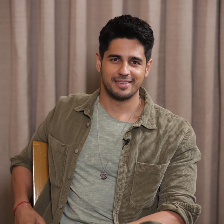 Sidharth Malhotra reveals his favourite actor is Amitabh Bachchan and calls Akshay Kumar 'Big Brother'