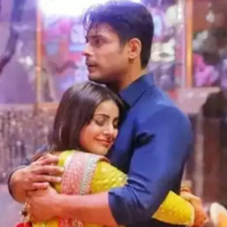 Sidharth Shukla pulling Shehnaaz Gill closer for a hug in a THROWBACK video will make you miss SidNaaz