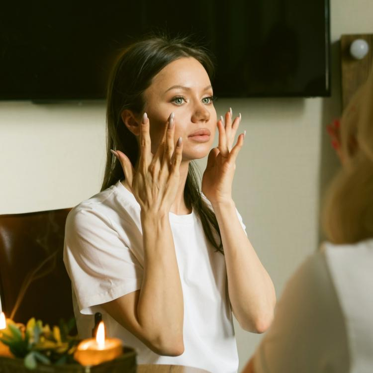 Skincare application mistakes that might cause premature ageing!