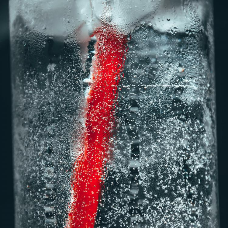 Sparkling Water vs Soda Water: Know how they are different from each other
