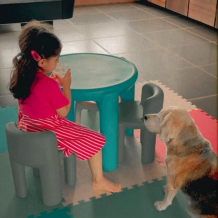 Soha Ali Khan captures daughter Inaaya's precious moments with their pet dog