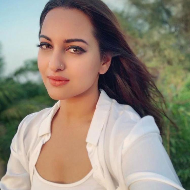 Sonakshi Sinha aims to stop cyber bullying; Urges Mumbai Police to help a poet getting rape threats