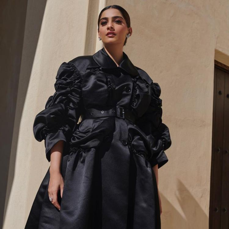 Sonam Kapoor casts a spell on us as she flaunts her voguish all black ensemble; See PICS
