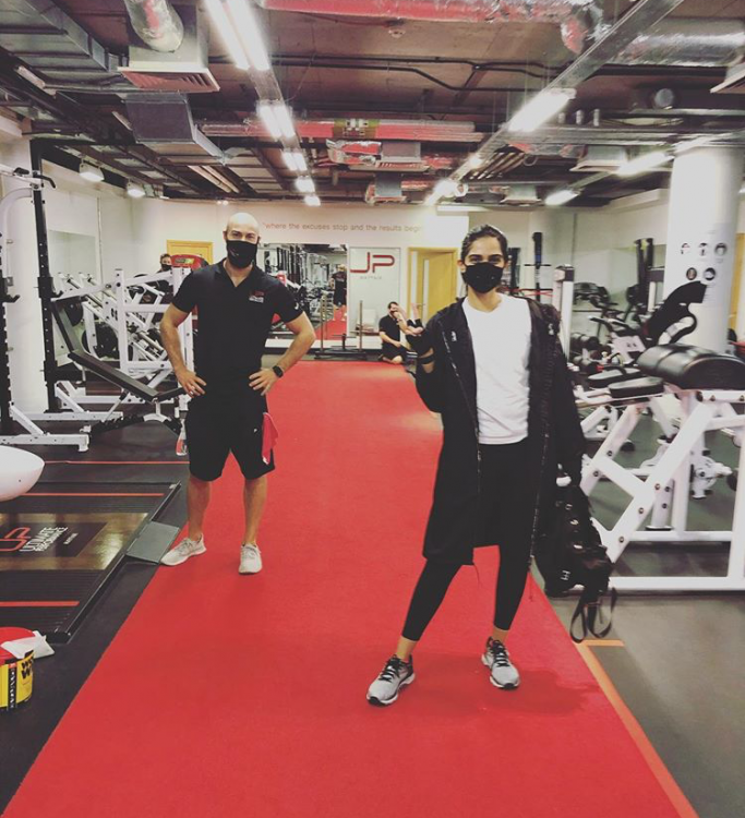 Sonam Kapoor Ahuja heads straight to the gym after London quarantine ends & dad Anil Kapoor is proud; PHOTO