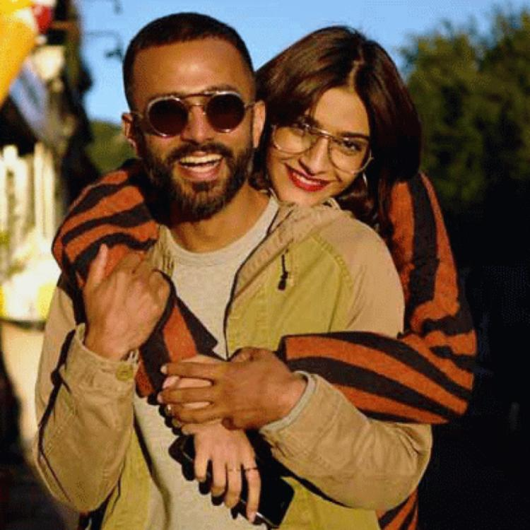 Sonam Kapoor is glad as she receives a new gift from Anand Ahuja on the occasion of their wedding anniversary