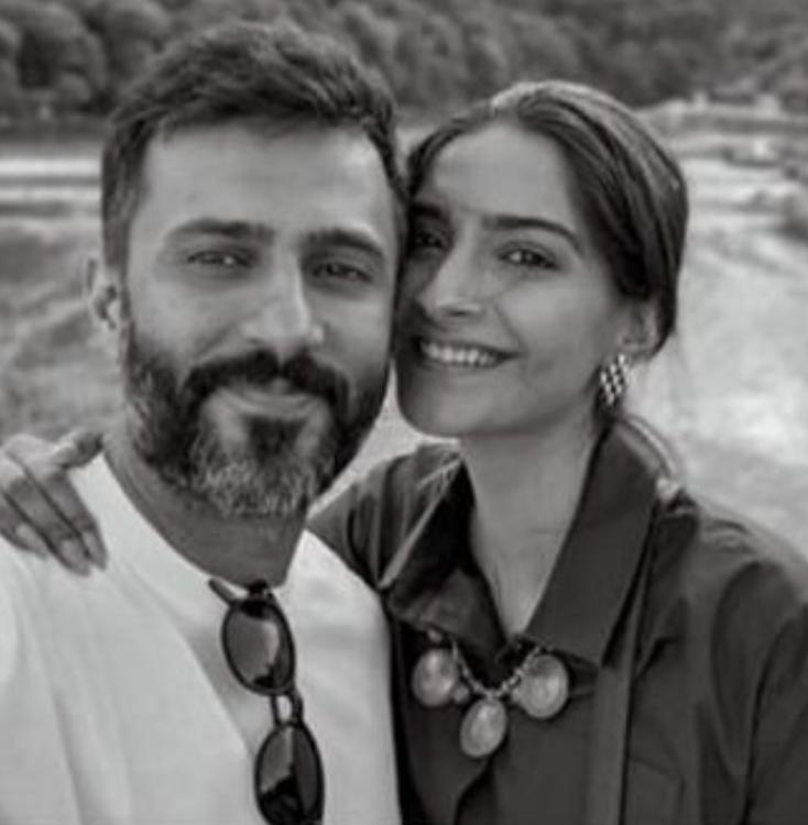 Sonam Kapoor takes us down the memory lane as she shares a throwback photo with Anand Ahuja taken '1 year ago'