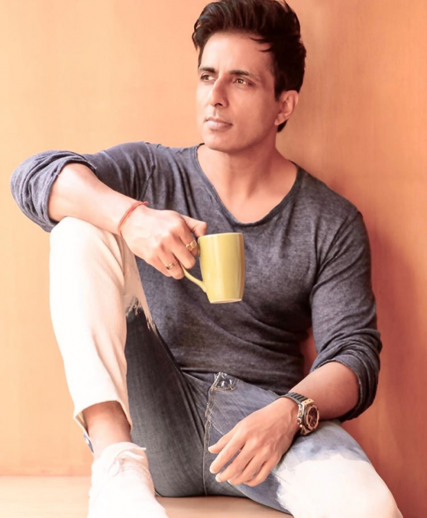Sonu Sood wins hearts as he funds a chartered flight to Dehradun for migrant workers amid COVID 19 crisis