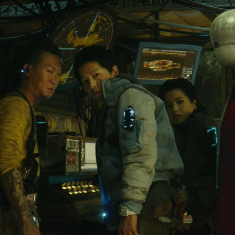 Space Sweepers Movie Review: Song Joong Ki's film tutors Hollywood how to include all of Earth in a space film