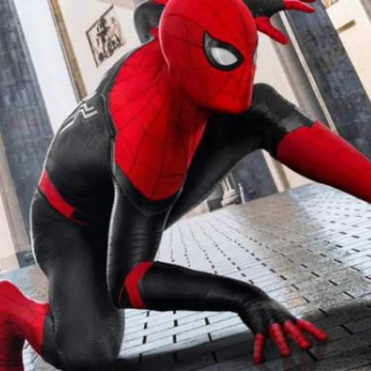 Spider Man: Far From Home poster photoshops Tom Holland's face on Tobey Maguire's body? MCU star thinks so