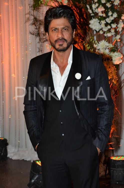 Shah Rukh Khan wishes for beautiful colours of life, health and happiness for his fans on Holi