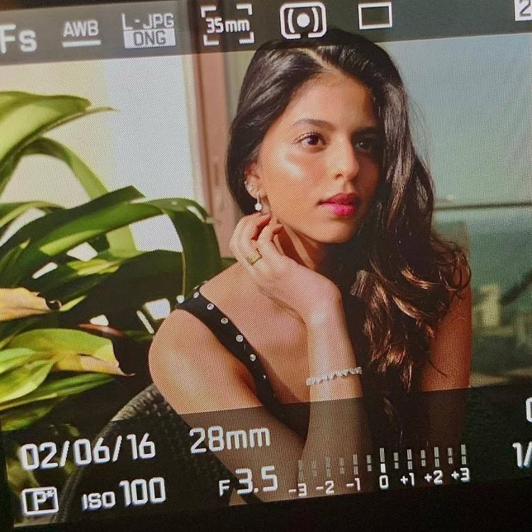 Suhana Khan gives models a run for their money in her latest stunning sunkissed photo