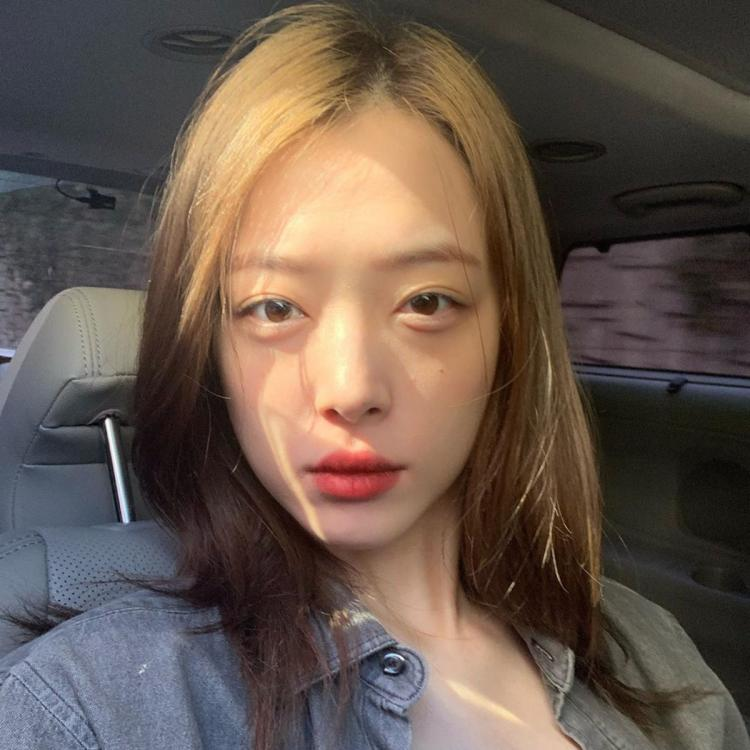 Sulli's mom reveals she was against idol's BF Choiza & the moment the mother-daughter relationship fell apart