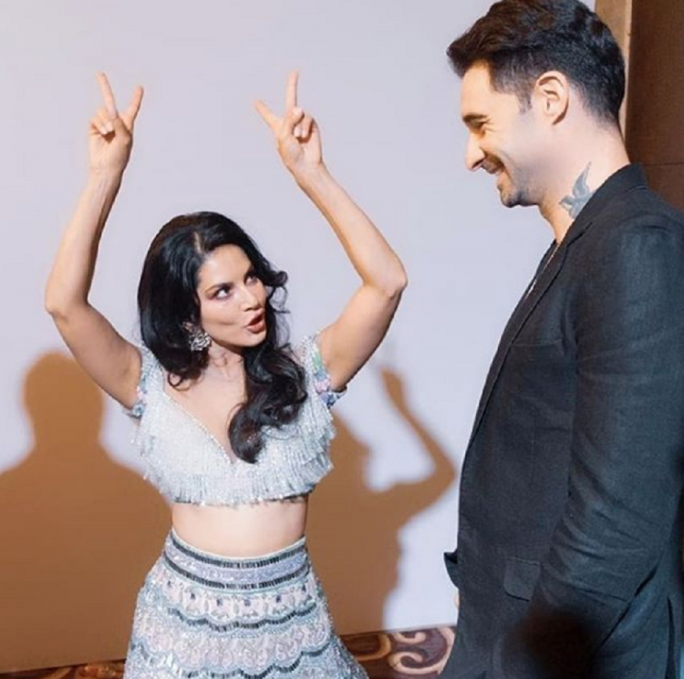 Sunny Leone and her husband Daniel Weber look adorable in her latest post; See pic