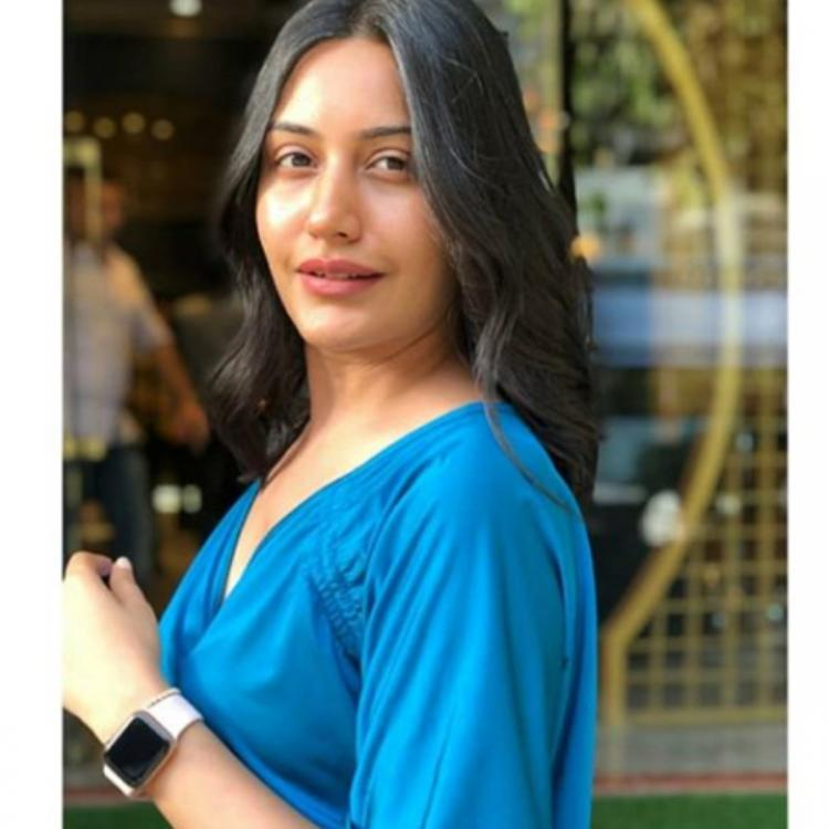 Ishqbaaaz actress Surbhi Chandna chops off her long tresses to get the perfect easy breezy summer look