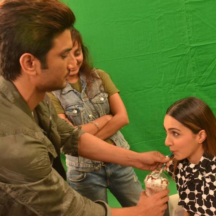 Sushant Singh Rajput & Kiara Advani relishing a drink in THESE PICS is perfect Thursday throwback for his fans