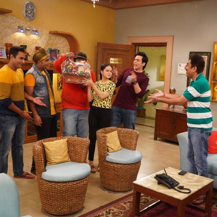 Taarak Mehta Ka Ooltah Chashmah SPOILERS: Will a foodie Taarak be able to convince Anjali for a cheat day?
