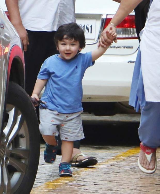 WATCH: Taimur Ali Khan sweetly asking to hold the handi in his hand in a THROWBACK video will make you go aww