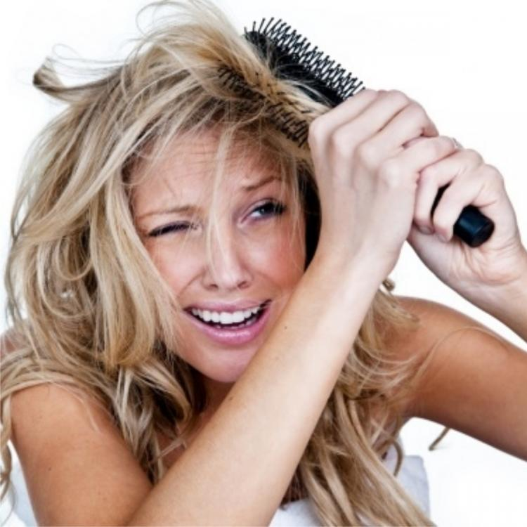 Does your hair have knots all the time? THIS is what you can do to prevent your mane from tangling