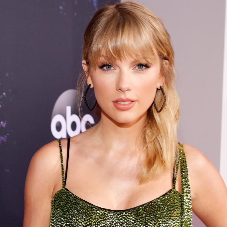 Taylor Swift donates USD 30,696 to help 'a young Black 18 year old with a dream' go to college