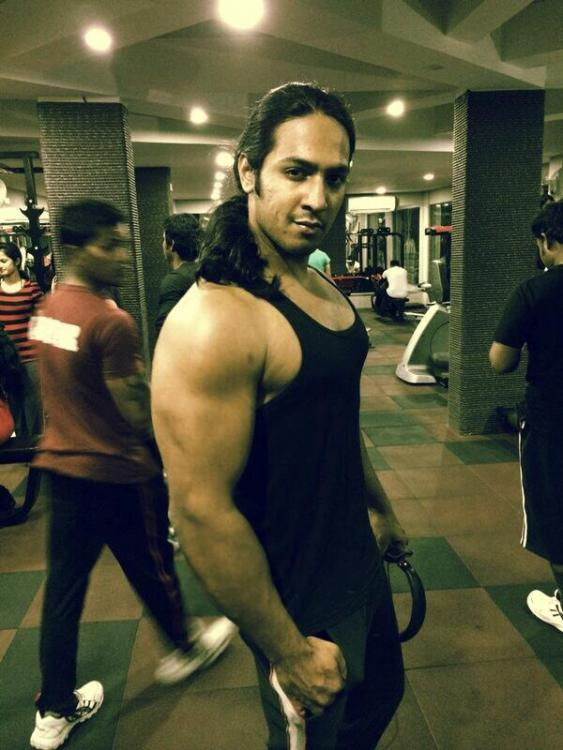 Mahabharat: This Dhritrashtra goes gymming with Nakul, parties hard with Vidur and Krishna! (View Pics) 7