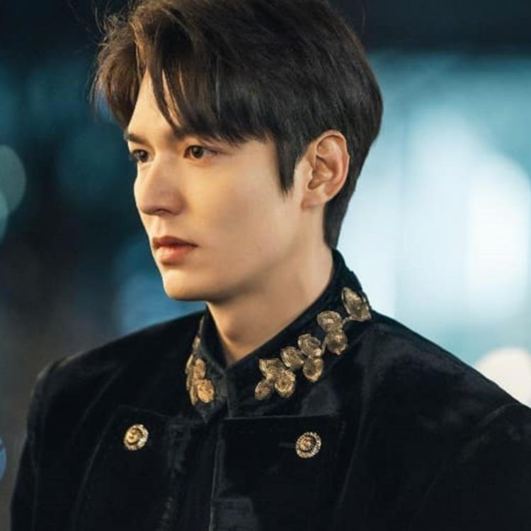 In The King: Eternal Monarch, Lee Min-ho plays Lee Gon, the king of the Kingdom of Corea.