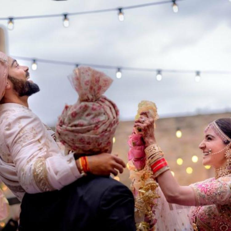 Things to keep in mind before choosing the right jaimala for your wedding