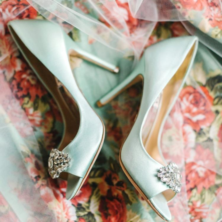 Things to remember before buying the perfect wedding shoes
