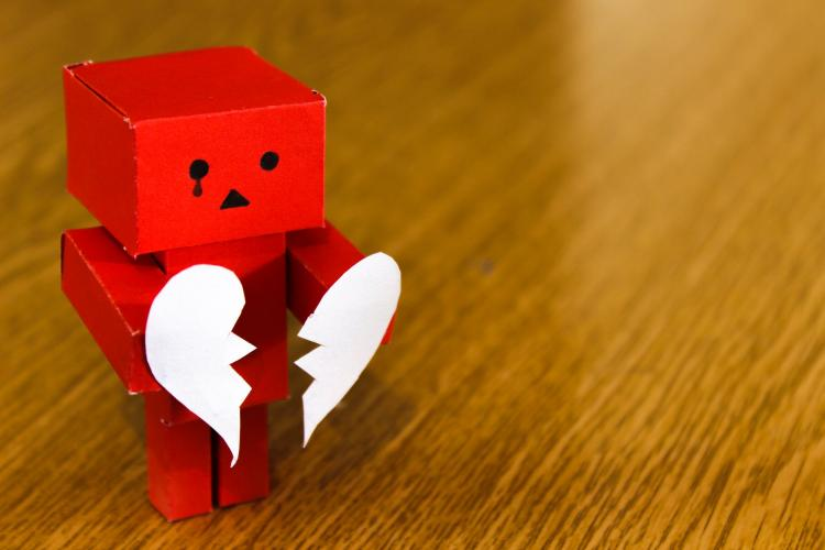 Had a breakup? Here are 9 things that you should never do after a heartbreak