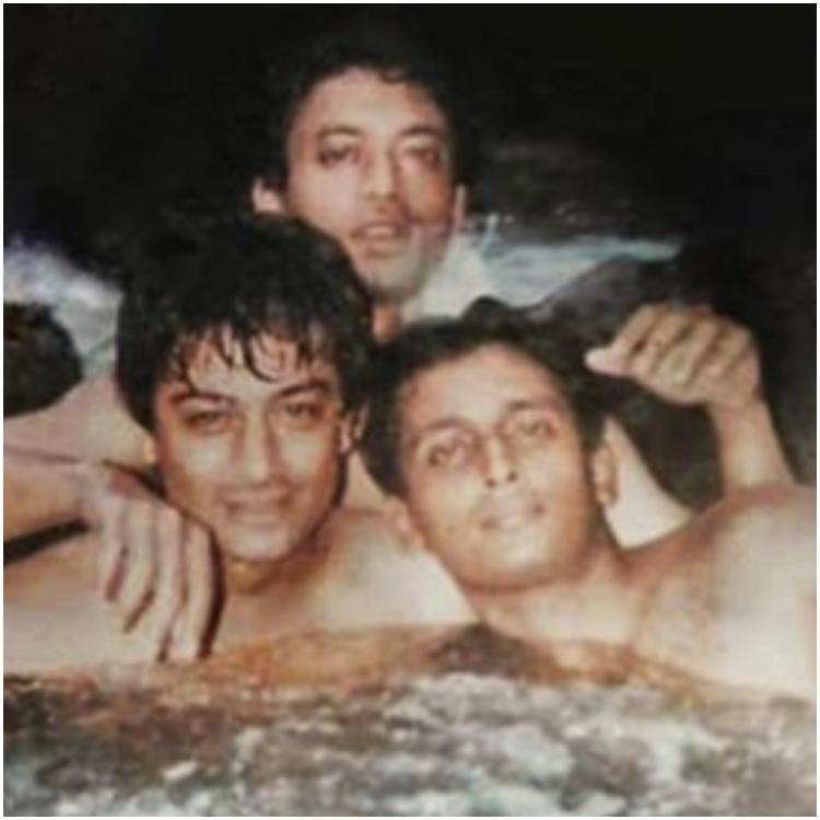 This UNSEEN photo of Irrfan Khan with Piyush Mishra & friends will make you miss the Angrezi Medium star