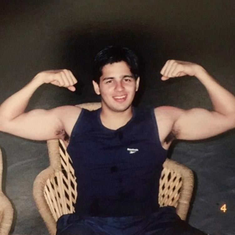 Throwback Thursday: Sidharth Malhotra time travels to Delhi's college days with a photo; Fans call him 'cute'