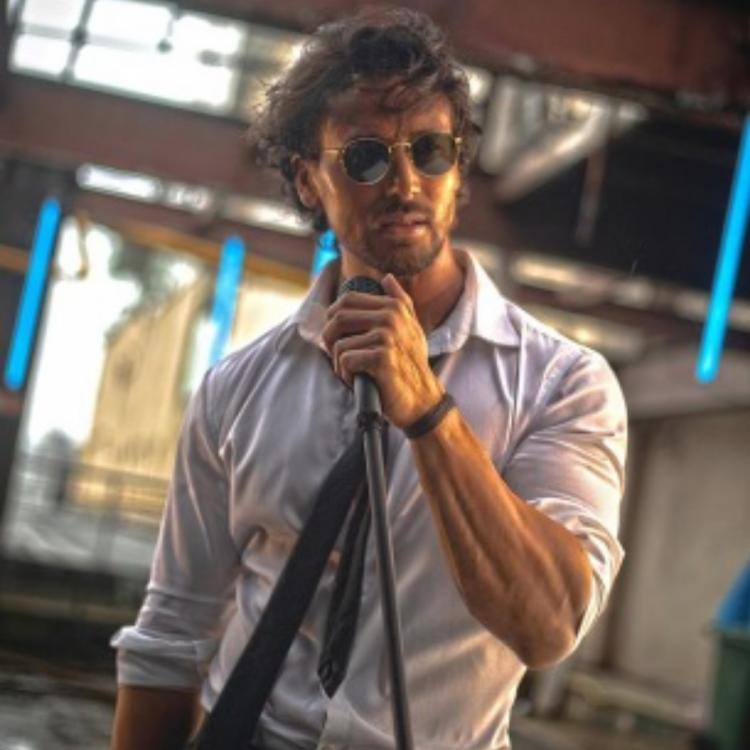 Tiger Shroff posts a new pic from debut song