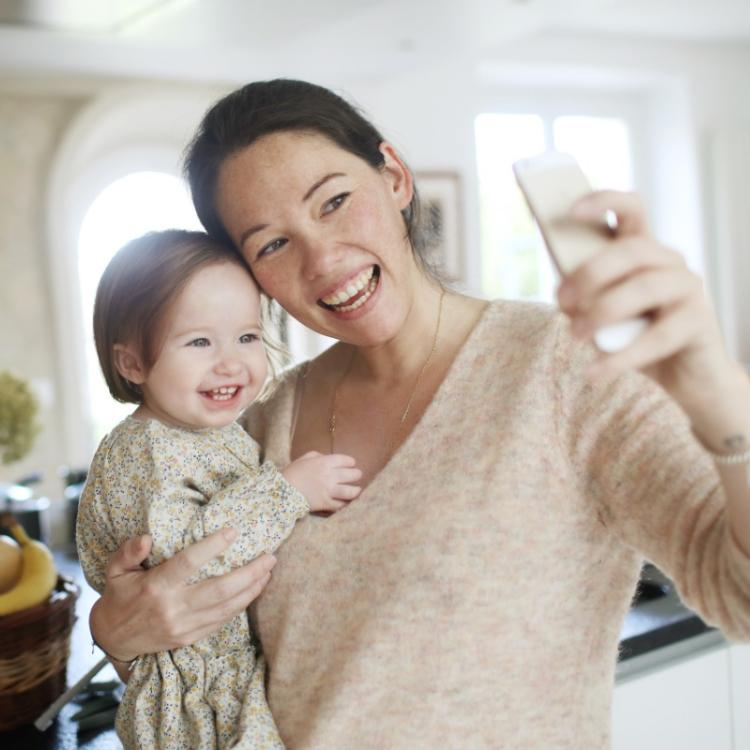 How new moms can stay happy in COVID 19 crisis