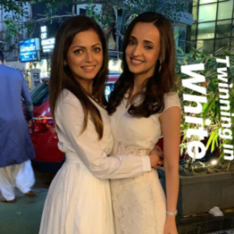 Sanaya Irani and Drashti Dhami are the perfect best friend duo as they twin in white; view PICS